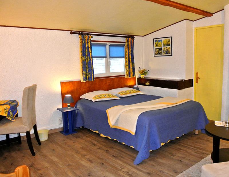 Les mimosas la vieille bastide chambres d 39 h tes - Chambre d hote bormes les mimosas ...