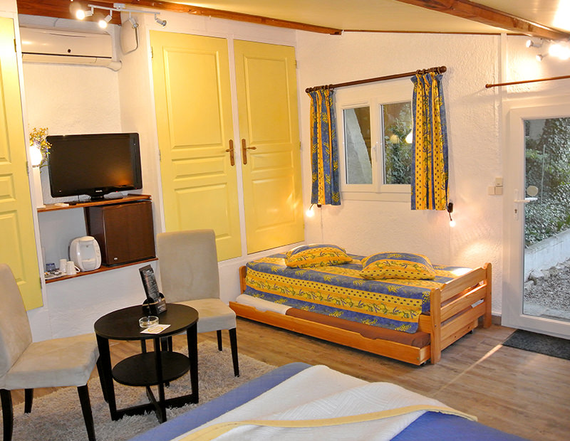 Les Mimosas, Bed and Breakfast
